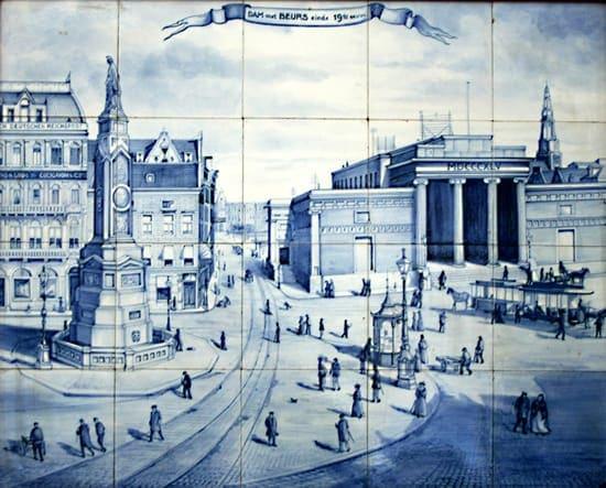 PBD, tegeltableau. Decor Dam, Amsterdam in ca 1898, Delfts Blauwe schildering 1913-1914 (coll. Jan Baas)