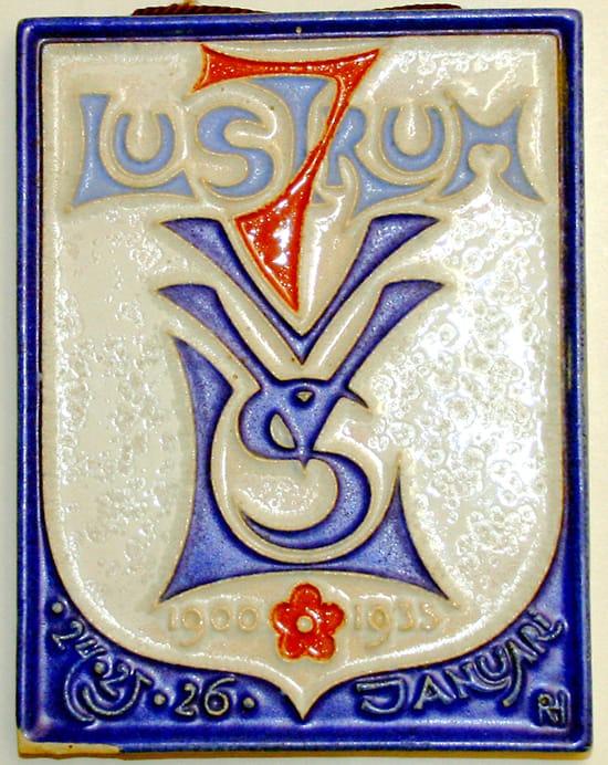 Porceleyne Fles, reliëftegel, LSV-lustrum 1935, ontwerp Richard Roland Holst (coll..Julius Branolte)