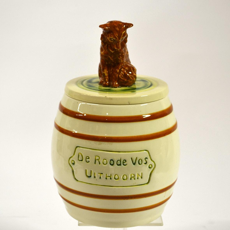 Goedewaagen, tabakspot, De Roode Vos, Uithoorn, jaren 1930, boetseerwerk Jan van Breukelen